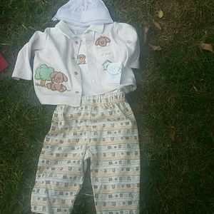 Nanuet 4 piece Unisex Outfit 3 to 6 mths New